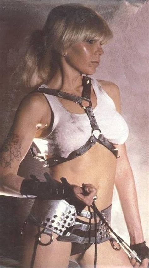 Viewed From The Right: Women Of Music Rule 5 - Wendy O